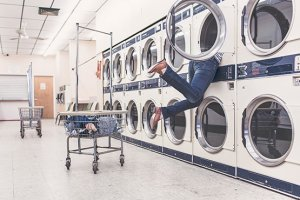 womens legs laundromat